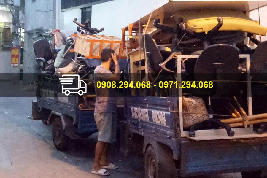 Xe ba gác chở thuê cho người dân quận 7 và khu vực lân cận